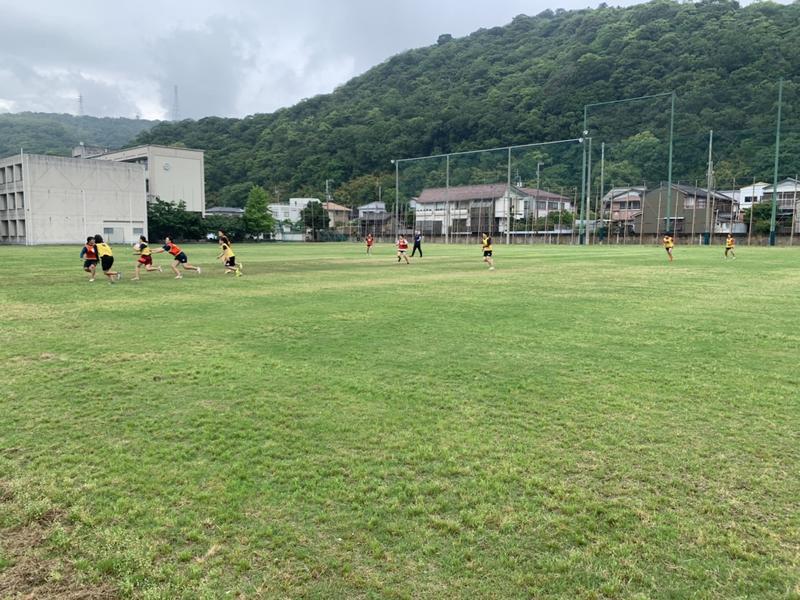 女子ラグビー専用天然芝グランドです。芝がきれいに見える時期となりました。